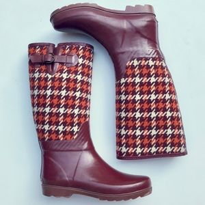 Banana Republic maroon & orange rain boots-9